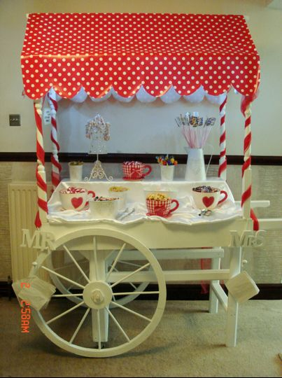 Cup and saucer candy cart