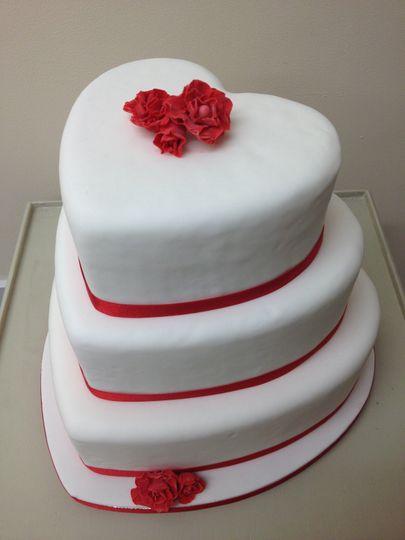Simple heart wedding cake