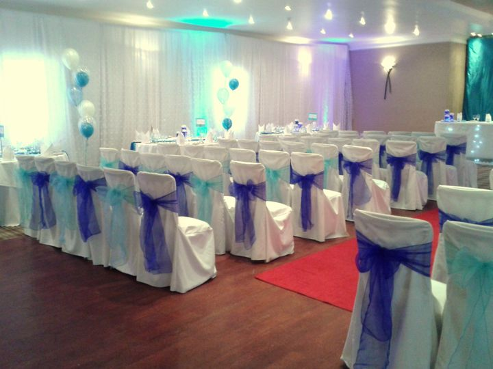 Wall drape and uplighters