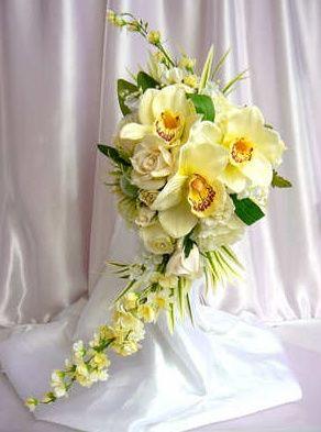 Orchid & rose crescent bouquet