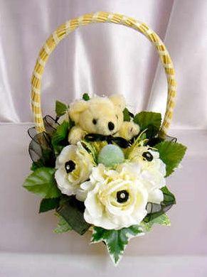 Cream & black bridesmaid basket