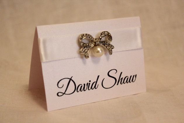 Vintage bow place card