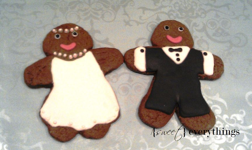 His ' n' hers gingerbread folk