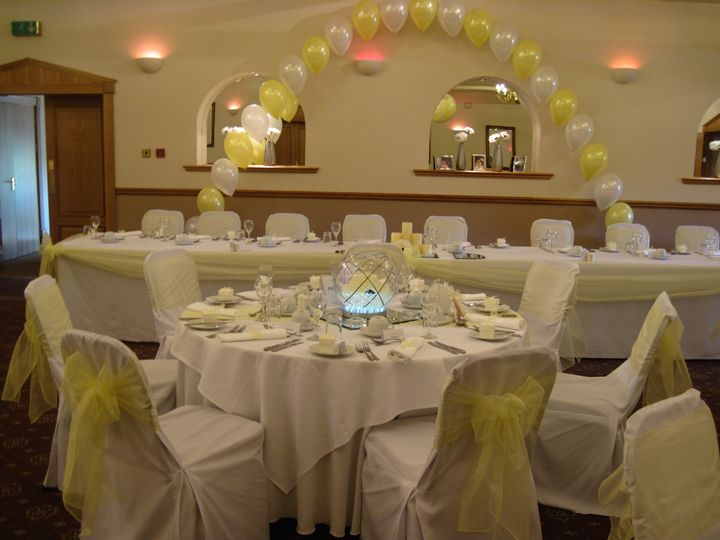 Centrepeices arch and chair covers