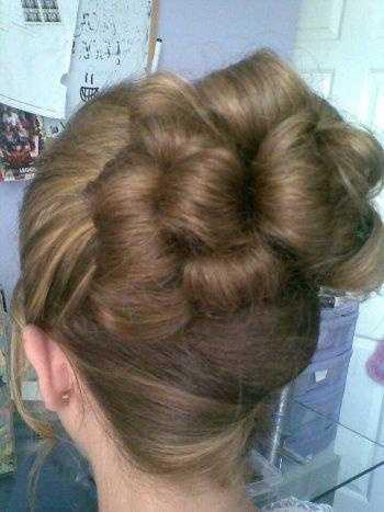 Simple wedding hair up look, stunning feminine and elegant