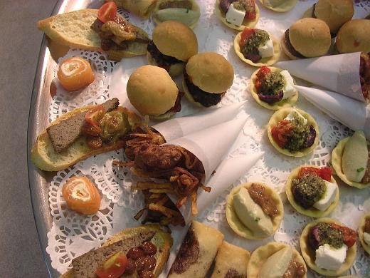 Blundells Hill food & drink