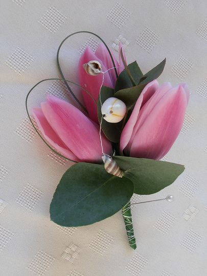 Triple tulip buttonhole