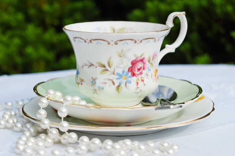 Lovely tea cup set