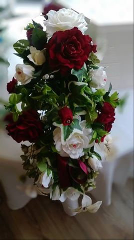 Bridal bouquet (artificial)