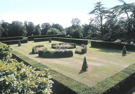 Holdenby garden