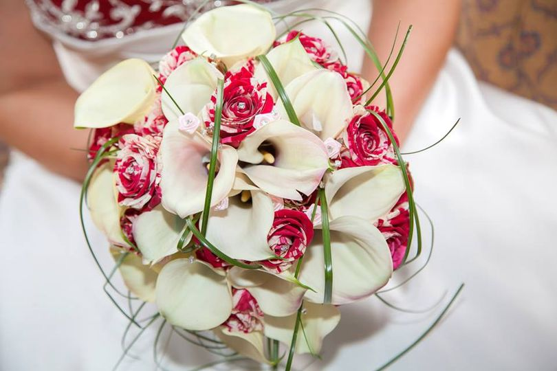 Calla lily and rose hand tied