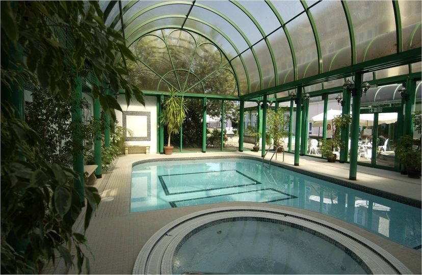 The norfolk hotel - Hotels with swimming pools in norfolk ...
