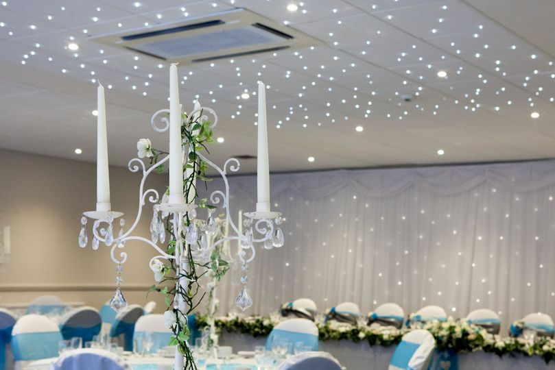 heart suite wedding from holiday inn corbykettering photo 6