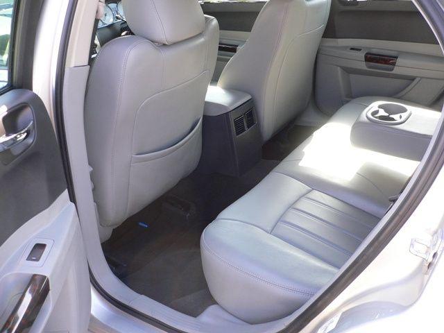 Chrysler 300C Internal Space