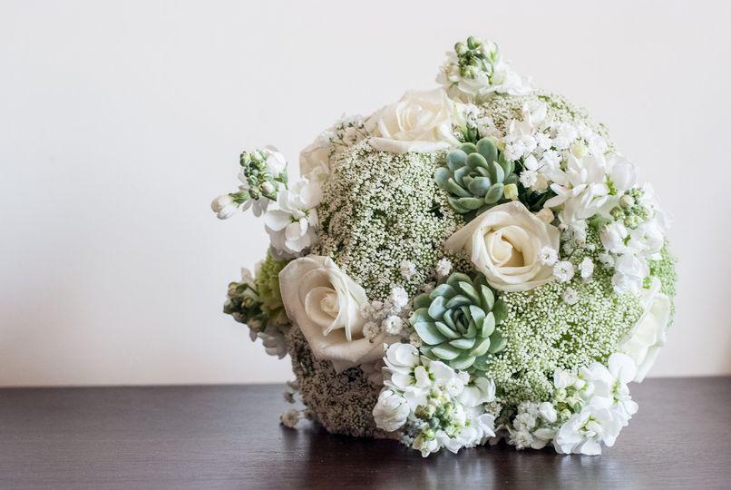 Ivory-Vert Bridal Bouquet
