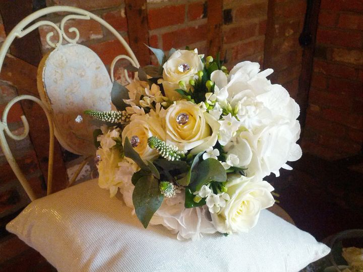 Cream and white bouquet