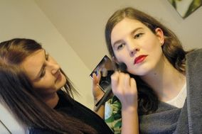 Make Up by Kirsty Badrock