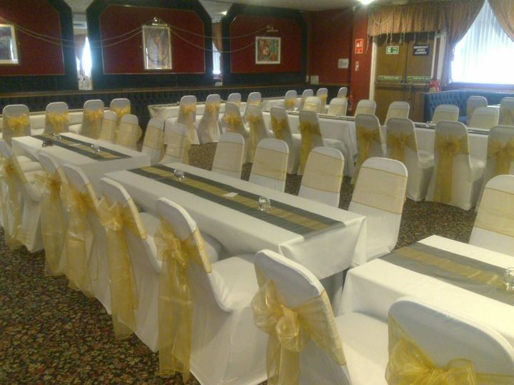 Black and gold table runners