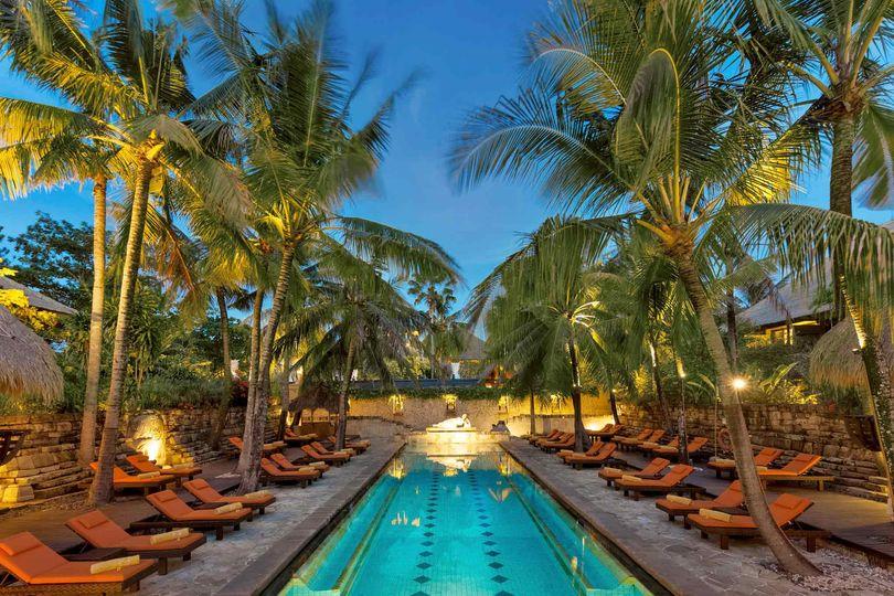 Relaxing nirwana pool