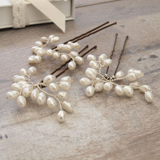 Bud pearl mini bridal hair pin