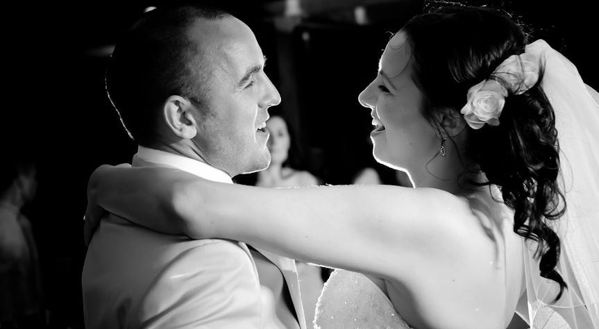 First dance in Portugal by Celynnen Photography