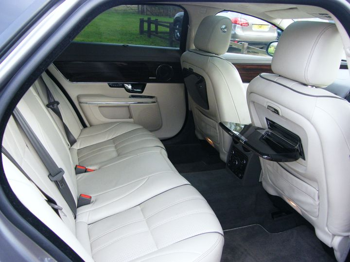 Spacious rear cabin