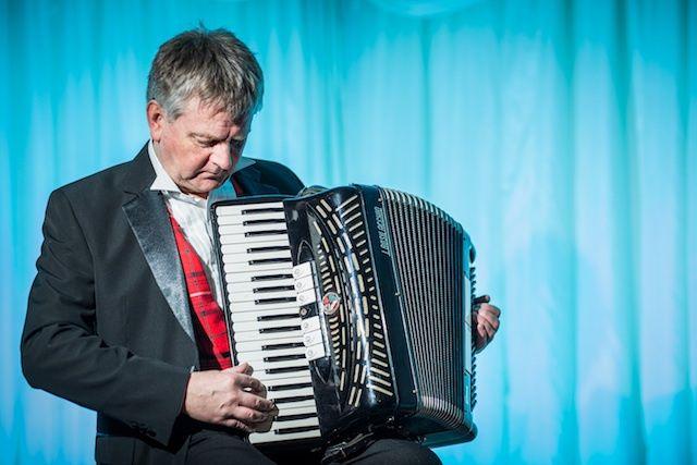 Ceilidh set with accordion