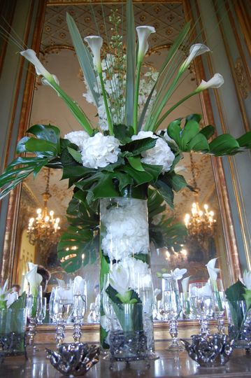 Large centre piece design