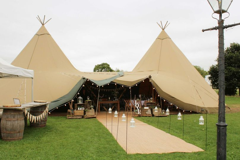 Tipi wedding styling leicester