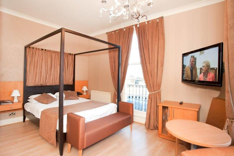 Luxury bedroom - 101