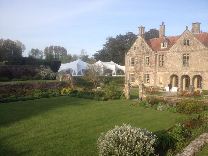 Wedding in house gardens