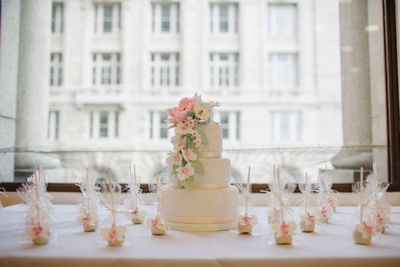 Wedding cake in bertie suite