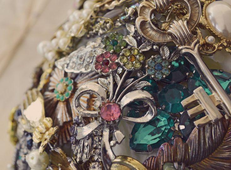 Tillymintloves brooch bouquet