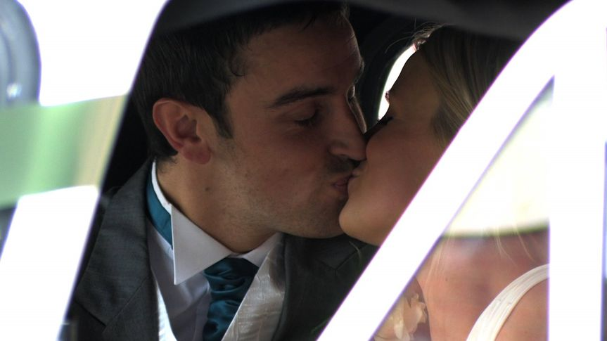 Dorset Wedding Videos-Bride and Groom Kiss