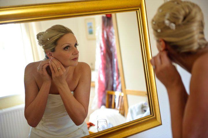 Helen Guy Hair & Make-Up Artist