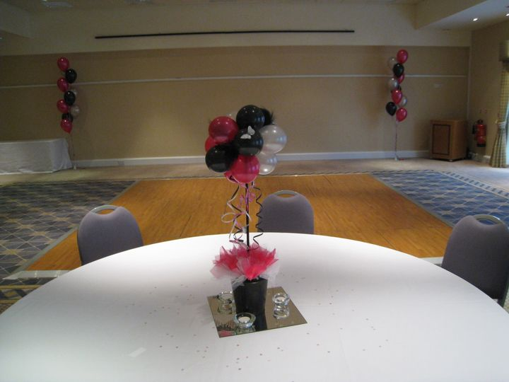 Table topiary trees