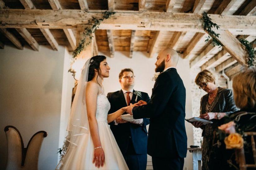 Non Religious Sample Wedding Ceremony Secular Wedding: 8 Types Of Non-Religious Marriage Ceremonies