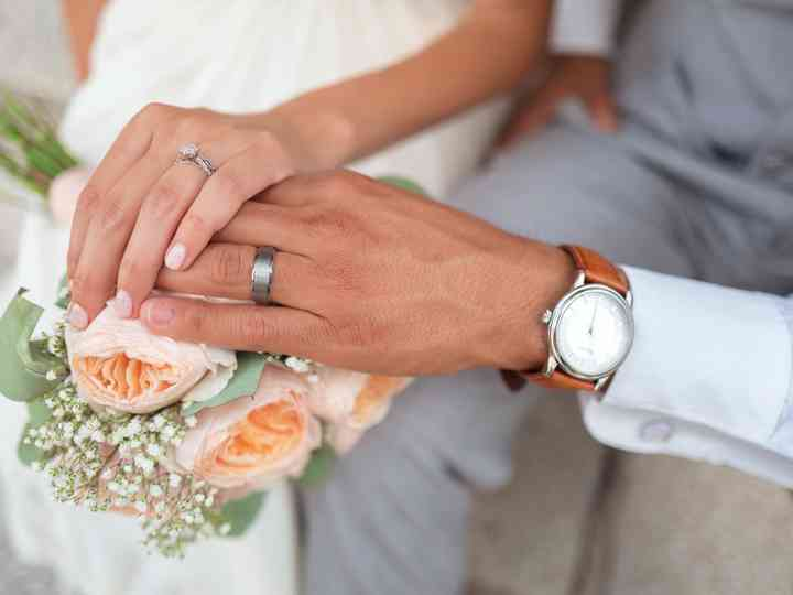 Your Essential Guide to Men's Wedding Rings