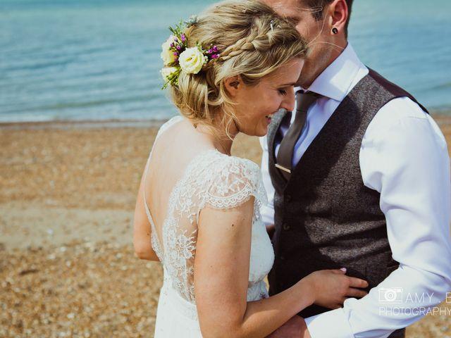 30 Ideas for Gorgeous Wedding Hair Flowers