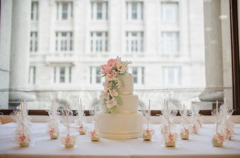 30 Simple Wedding Cakes to Wow Your Guests