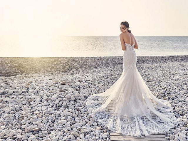 9 Wedding Dress Train Styles You Need to Know