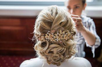 15 Wedding Hair Accessories You Need to Know
