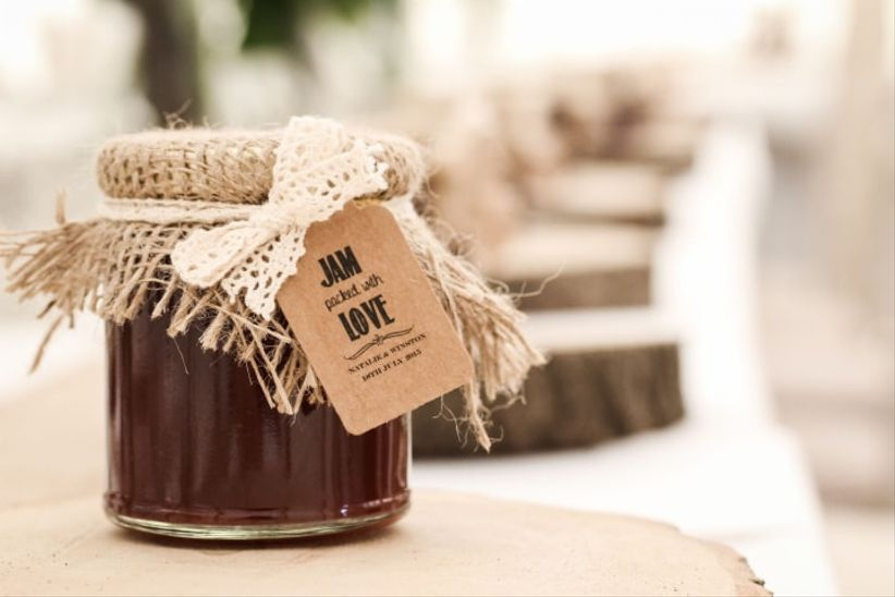 Your Essential Guide to Wedding Favours