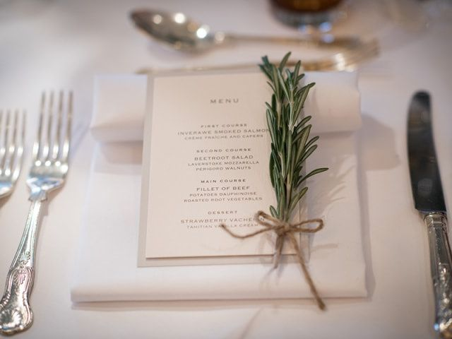 What to Include on Your Wedding Menu Cards