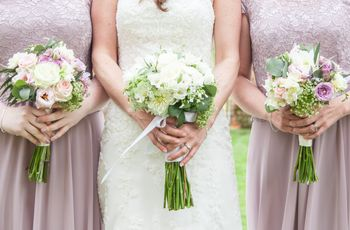 How to Carry Your Bridal Bouquet