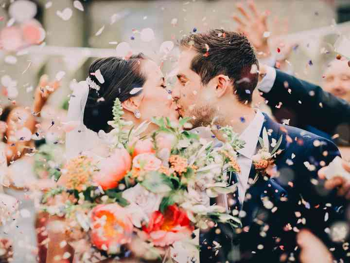 30 Upbeat Wedding Exit Songs For The Grand Finale Of Your