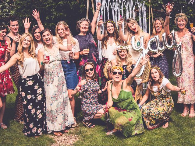 6 Tips for Creating a Hen Party Guest List