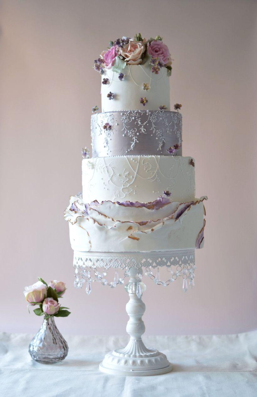 25 Stunning Wedding Cake Stands