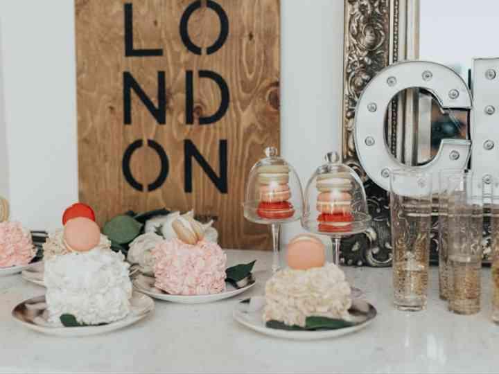 7 Stunning Macaron Wedding Cake Ideas