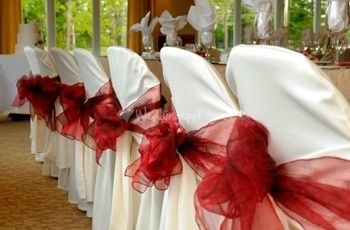 Decorate the Wedding Reception on a Budget